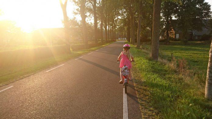 girl bicycle helmet